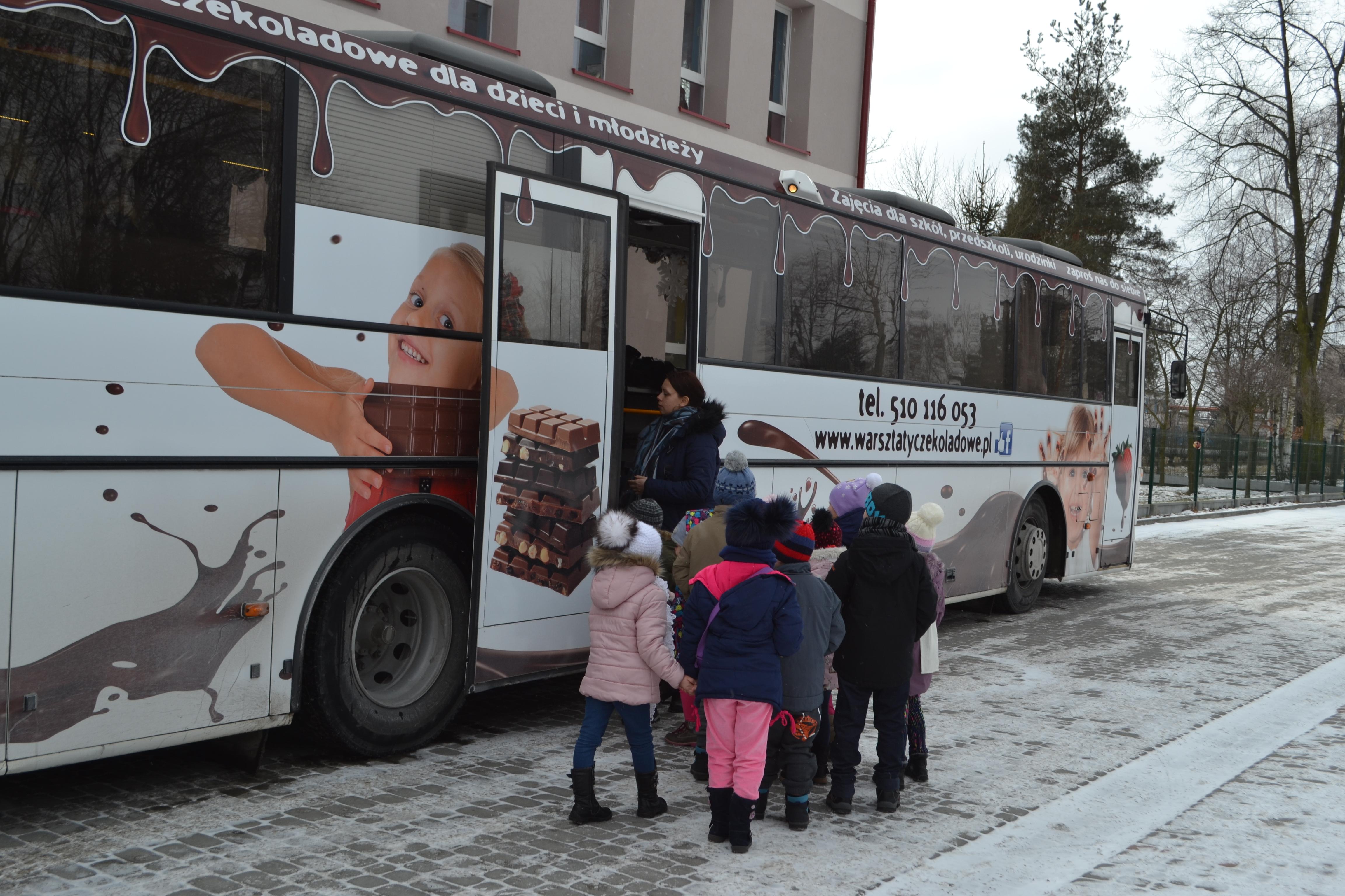 Czekoladowy autobus.