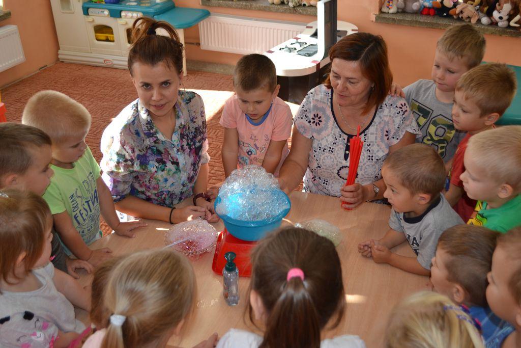 Światowy dzień mycia rąk u Krasnoludków.